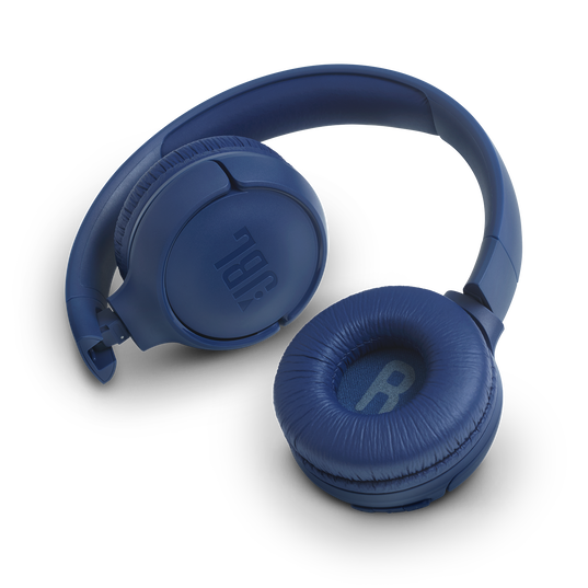JBL TUNE 560BT - Blue - Wireless on-ear headphones - Detailshot 1